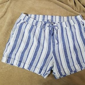 Old Navy Blue and White Striped Shorts w/ Pockets